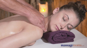 Masseur likes hairy muff of his attractive client