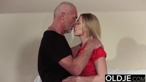 Office hottie with a body enjoys extreme sex with an old man